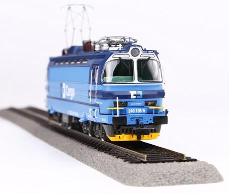 Lokomotywa serii 240 CD Cargo (PIKO 51384) (1)
