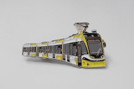 Przypinka - tramwaj PESA Krakowiak żółty (1)