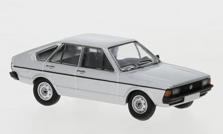 VW Passat B1 srebrny (BREKINA870251) (1)