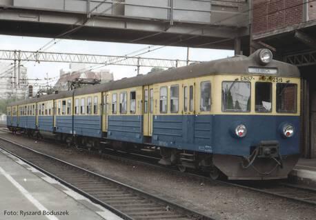 Elektryczny zespół trakcyjny EN57-925 (PIKO 51450) (1)