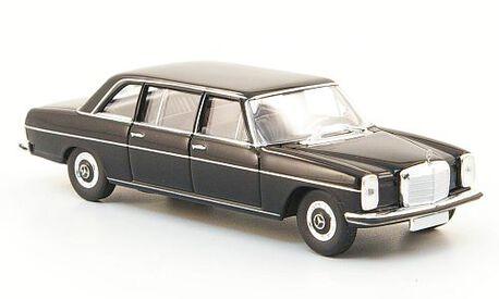 Mercedes Benz 220D (V115),czarny (BREKINA 13401) (1)