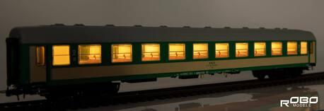 222351 Wagon 2 klasy 111As stacja Szczecin z oświetleniem Robo (1)