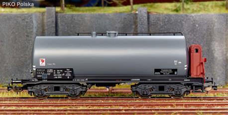 Wagon cysterna Uah (RRh) PEC PIKO 54445 (1)