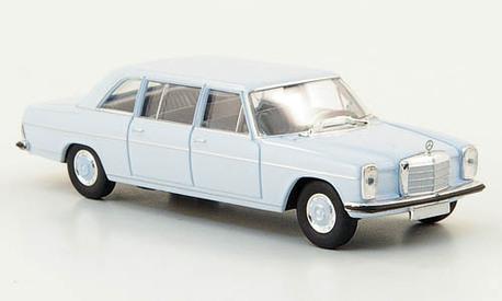 Mercedes Benz 220D (V115), jasnoniebieski (BREKINA 13403) (1)